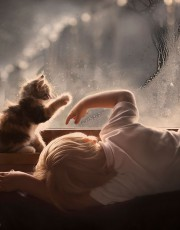 这位俄罗斯妈妈喜欢帮自己的两个孩子与农场里的动物拍美美照,拍出来的画面效果简直太专业了。