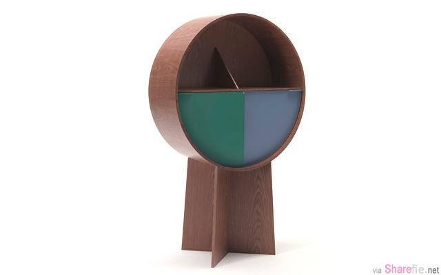 这个叫Luna的橱柜,以圆形为设计,下部的门是以旋转开启