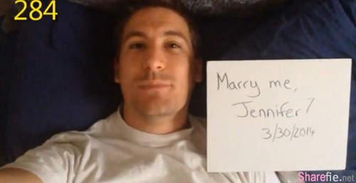 这位男友跟女友求了365次婚,但女友一次也不知道。终于今天他做了一个让女生们都感动流泪的求婚方式