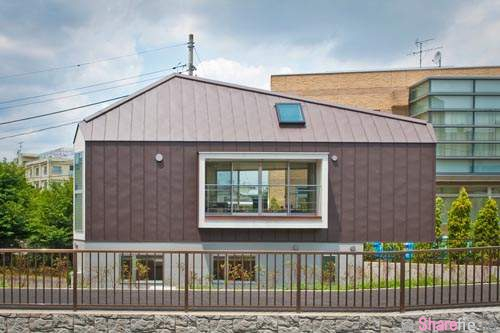 这间日本三角形超窄房子,打開門你會嚇一跳