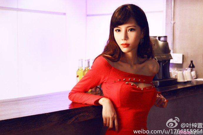 F奶正妹叶梓萱超「胸」,娜美身材让宅男疯狂