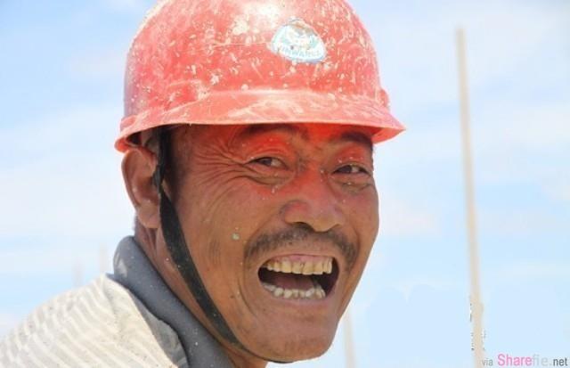 家長會上,一個滿身汙泥的建築工父親 說了 一段話,讓眾家長驚呆了...!打醒了一堆人了!