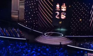 陈奕迅26首金曲连唱8分钟,感动震撼全场![現在錄音版]