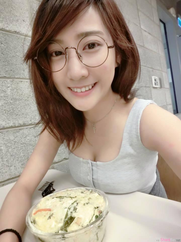 正妹牙医助理~郑诗璇~甜美脸蛋换上比基尼才发现也是有脾气的