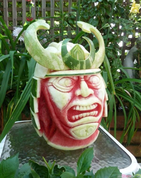 西瓜恐龙头!超精湛的西瓜雕刻技巧, 各种怪异造型让人舍不得咬下去