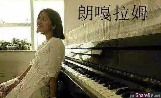 来自泰国的16岁少女在《中国好声音》舞台上演唱了一首邓丽君的《千言万语》,轰动全中国!