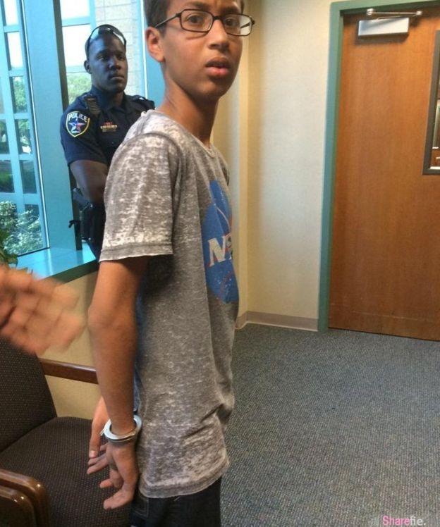 这名美国穆斯林学生做了一件事遭警方逮捕,结果脸书CEO ,总统奥巴马,甚至连 Google 都想要见他一面