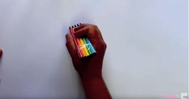 这名神人「笔神」利用各种不同笔器 画出让人惊艳的艺术字体  网友:比电脑还美