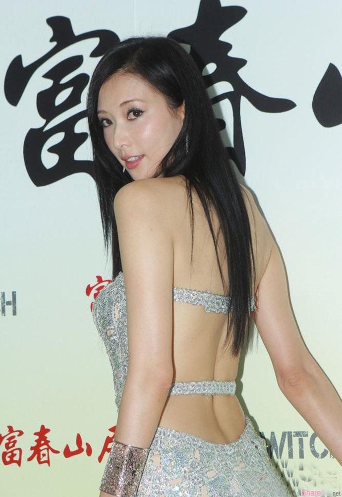 志玲姐姐S型腰背部全裸一路深到见股沟 网友:完美比例