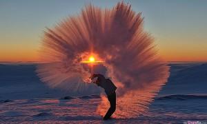 这张用冰围绕太阳的梦幻照片原来是靠这样拍出来的