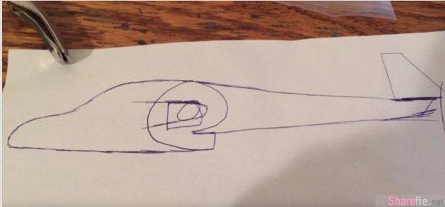他竟然能让这个看起来像纸煳的东西飞起来,最后的模样真是太酷了!