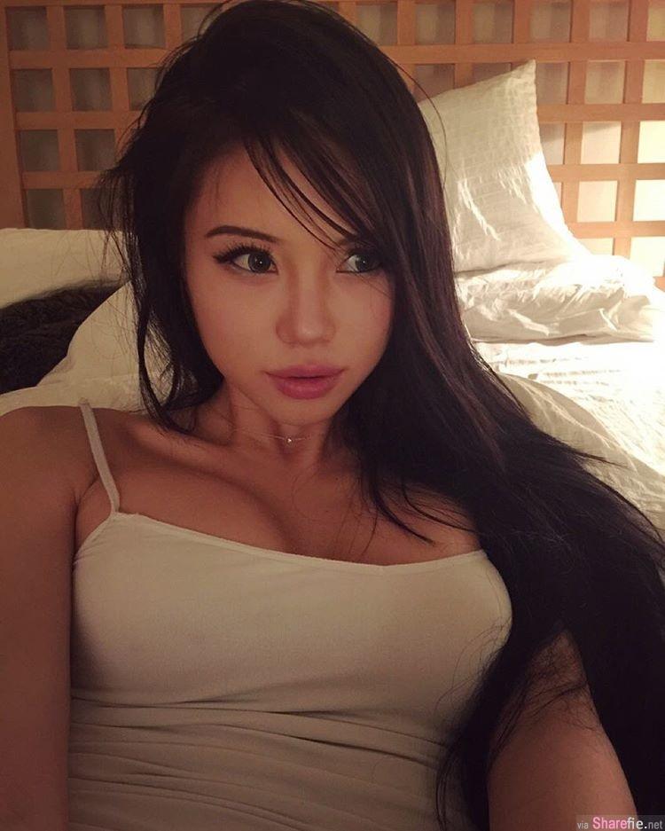 东方脸孔洋妞身材, ABC辣妹model竟公然在餐厅露奶  网友:是假的