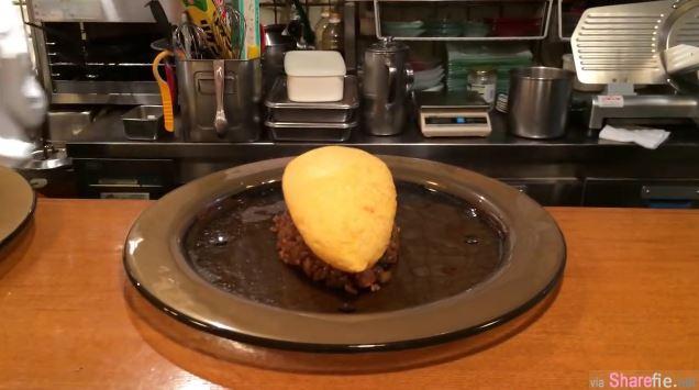 神奇的蛋包饭 当他一刀切下去,流出来的汁绝对让你口水直流