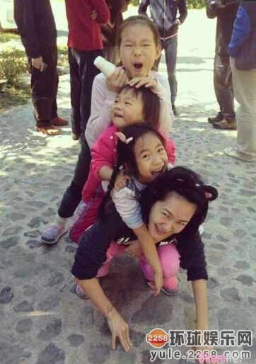 这些「明星小孩」的妈妈个个都是美女但女儿竟然遗传了...林熙蕾女儿真可惜没能遗传妈妈的美貌...