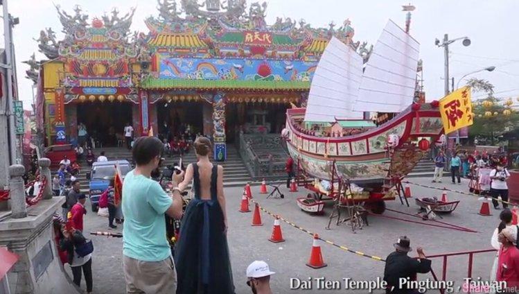 爆红牵手夫妻牵到台湾办摄影展,看完PS前后差异...我只能说「修图的技术」太厉害了