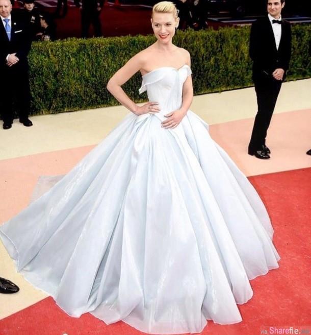 这套看似普通的白色礼服  关上灯后 所有来宾都看得目瞪口呆 简直美呆了