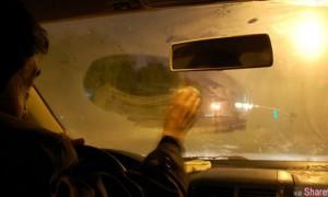 车内起雾很多人都习惯打开冷气  他用这4个步骤,20秒内马上就能让雾通通消失