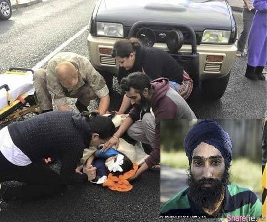 这名印度男子危急间用这个方法救了溺水的小黑狗 没想到却惹来现场民众的指责