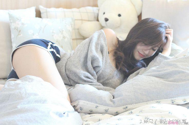 韩国最美女老师,假如你是学生你一定会后悔逃课的