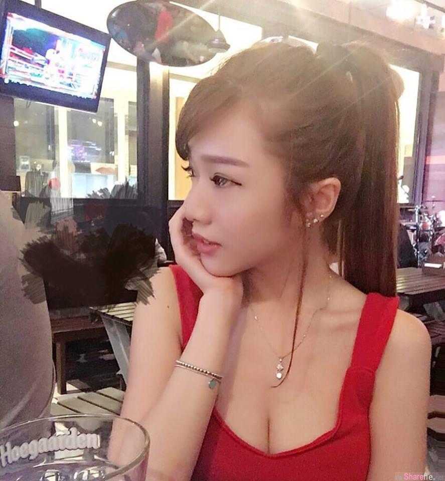 大马清新正妹Lynna Lin甜美笑容,深沟乳香气扑鼻而来