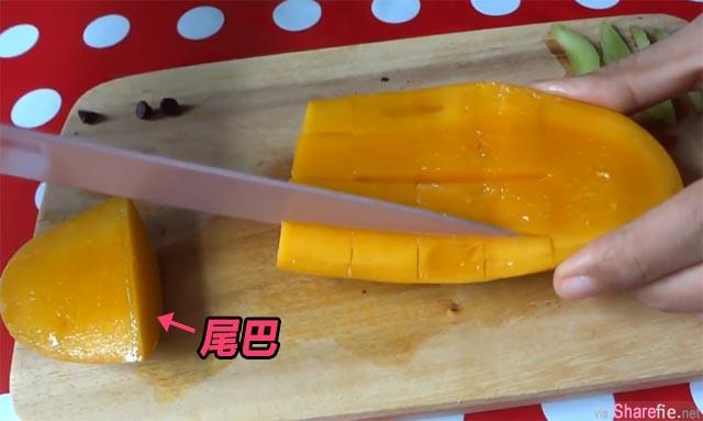 超简单!不必削皮 芒果这样切就可以变成可爱的金鱼造型