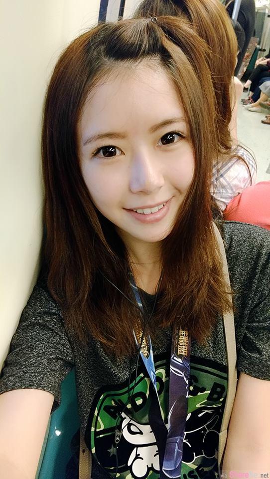 清新女孩Yunni,脸蛋身材超正,翘臀美拍超犯规