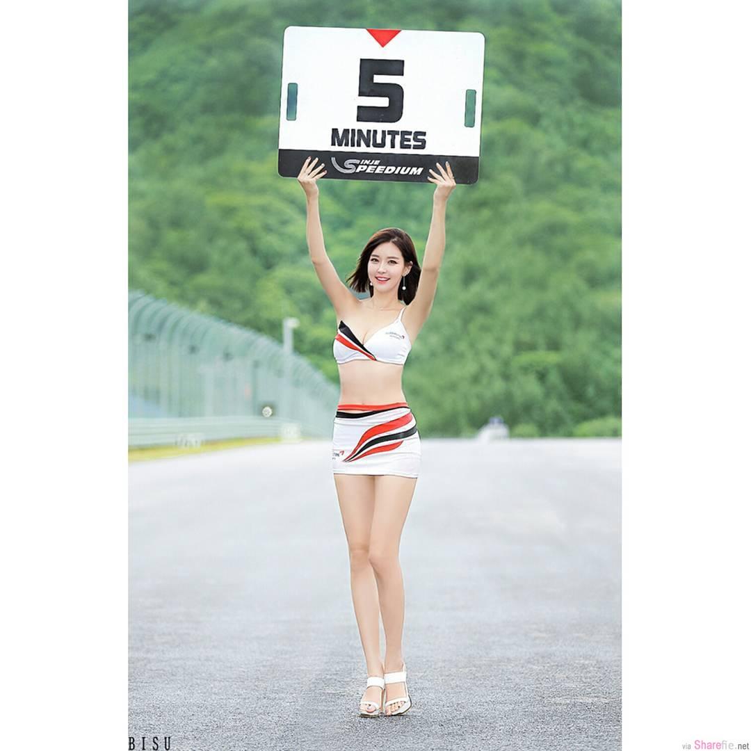 韩国车模杀死人的甜蜜笑容 不科学的身材才是致命武器