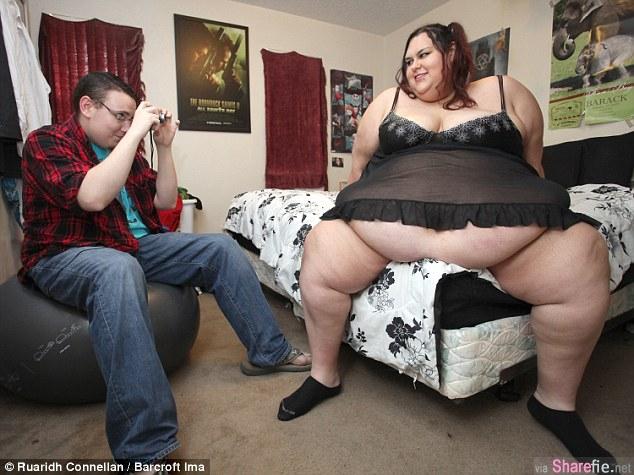 这位300公斤的女子已经肥到不行还打算增重100多公斤 背后原因竟然是...