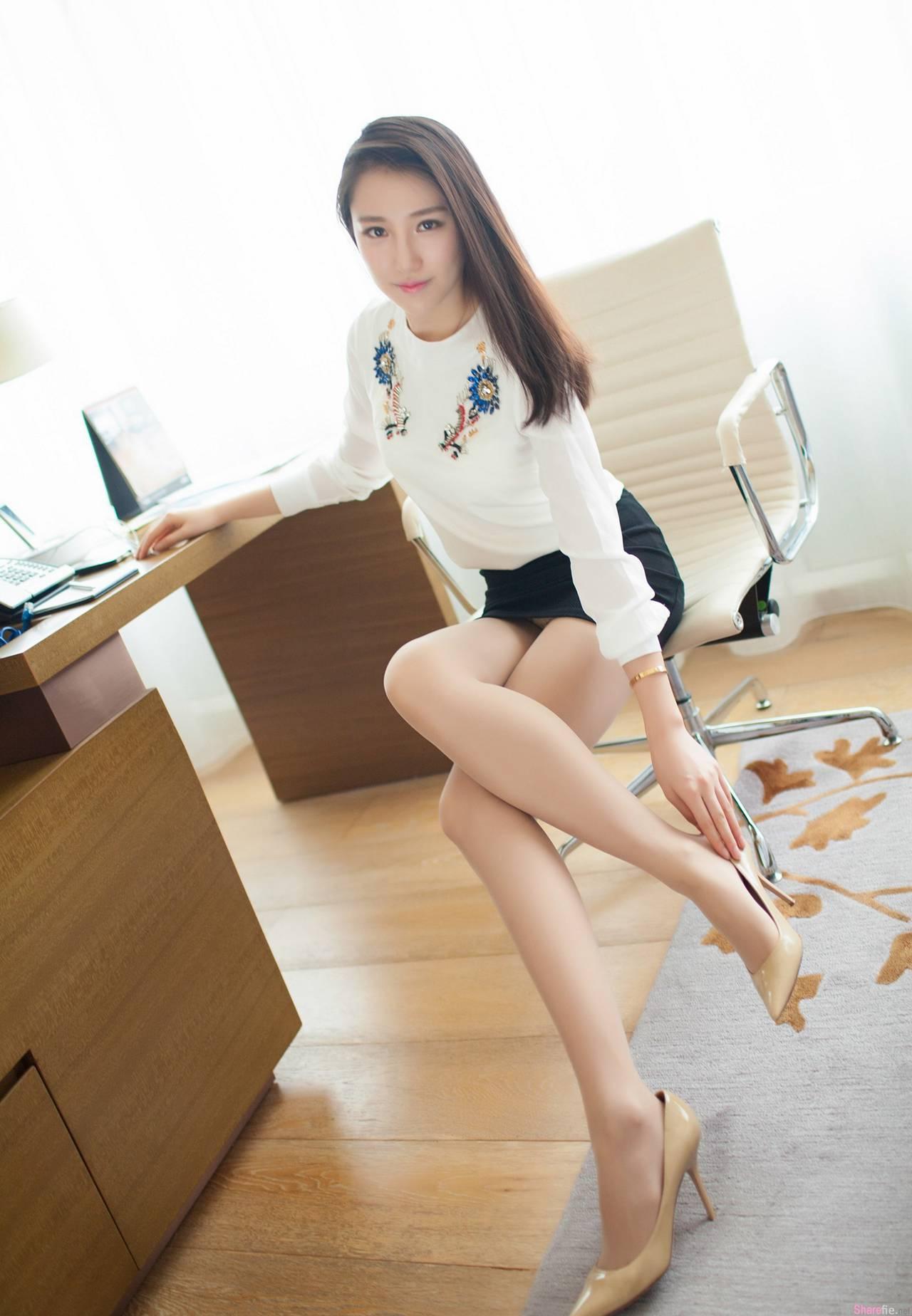 中国美腿女神 刘奕宁Lynn 美腿控:有种说不出的性感魅力