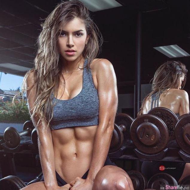 哥伦比亚健身正妹 超狂的腹肌线 网友: 健身妹子竟然还这么高颜值