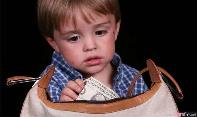 孩子偷偷从妈妈皮包偷了 2000元,这位妈咪用了一个聪明的方式,从此钱再也没少过...