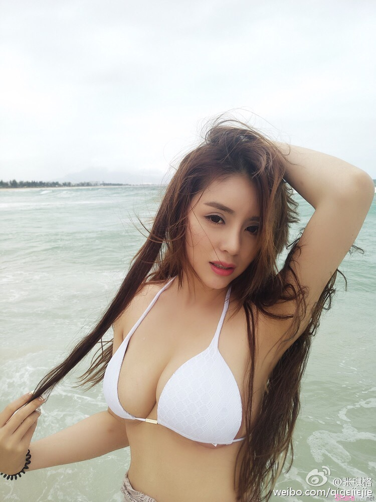 中国最凶女主播 张琪格 浑圆饱满让人窒息的感觉