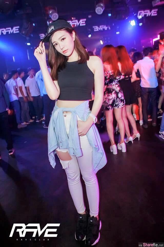 清纯女DJ 唐筠乔 网友:「黄金比例」美腿
