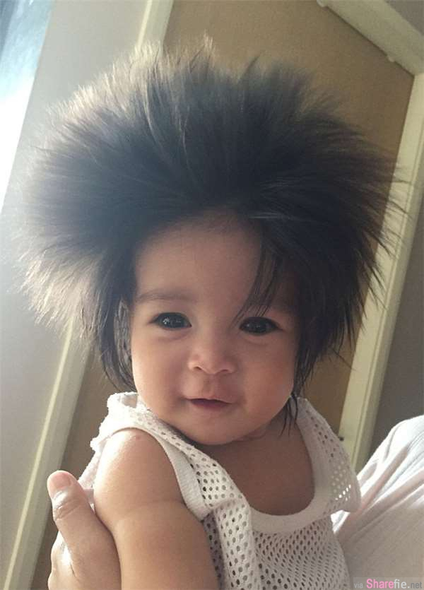 这名来自新加坡的两岁小女孩髮量惊人 出生两个月就长到15公分