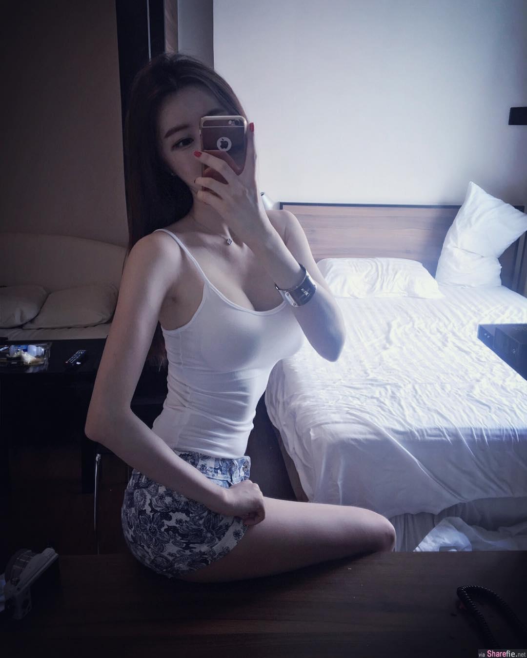 韩国自拍正妹 巨乳瘦腰长腿 完美S曲线