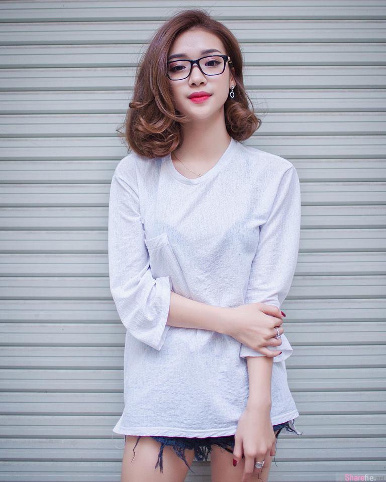 越南正妹Liu Liu邻家女孩的气质,看到侧乳外洩整个都硬了