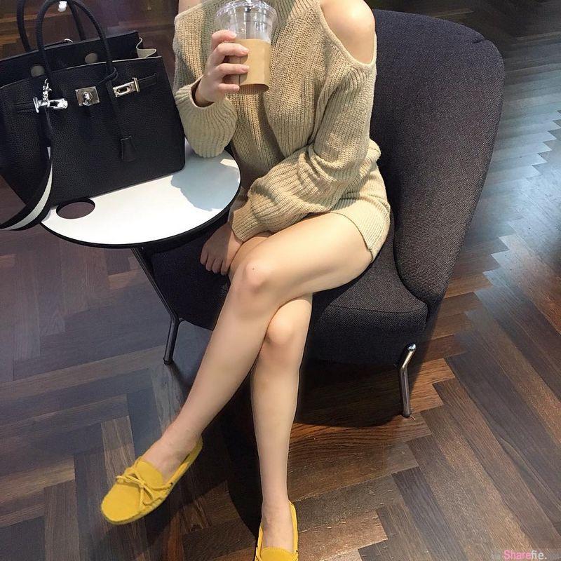 韩国正妹CHO AH YOUNG 窄短裙露出超美大腿