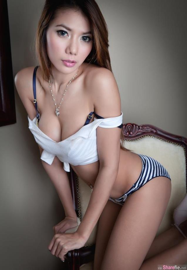 身材棒棒der新加坡正妹车模JessicaTan