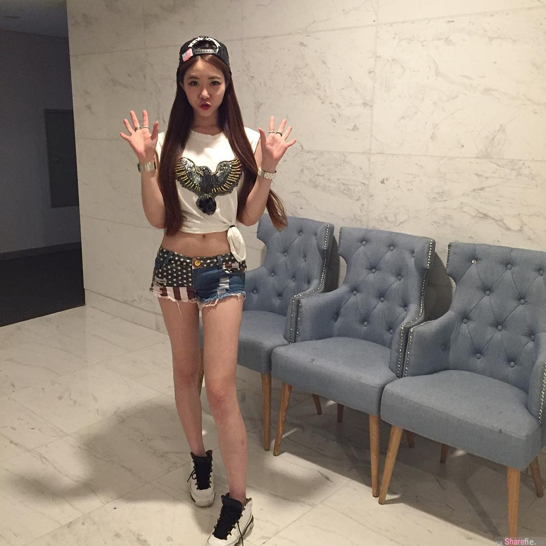 韩国正妹Young,酒店内衣自拍晒出美妙身段