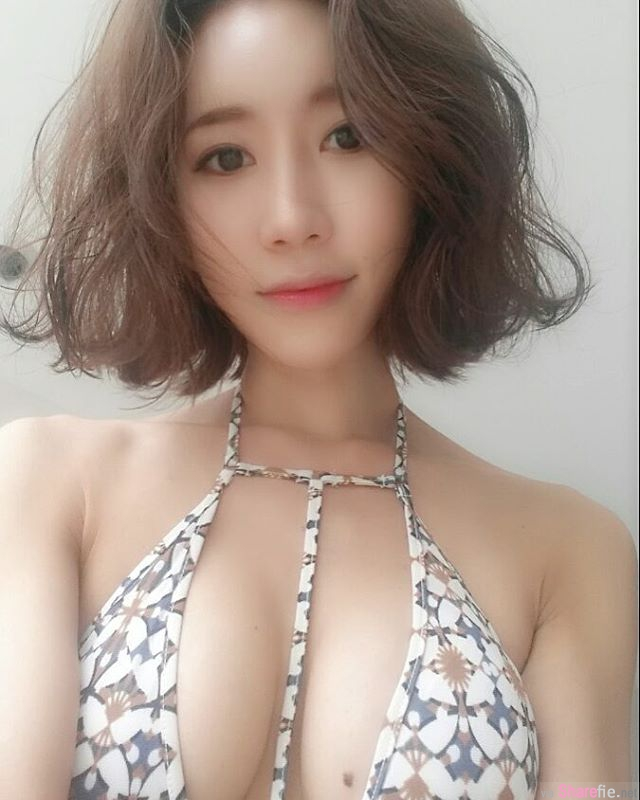韩国正妹 傲人双峰超养眼 网友:有露出黑黑的点