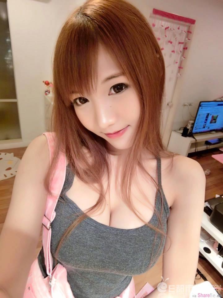 """泰国最胸棒糖妹就是爱""""秀球"""""""