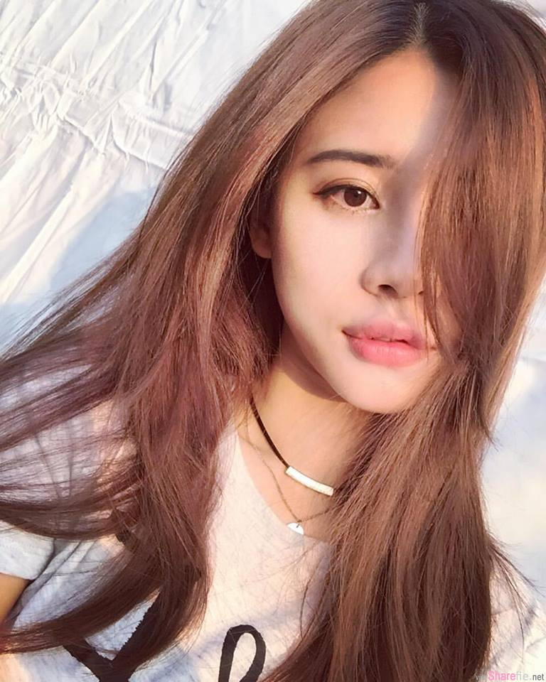台湾正妹黄姿姿,精緻脸蛋 网友:那翘唇...我可以
