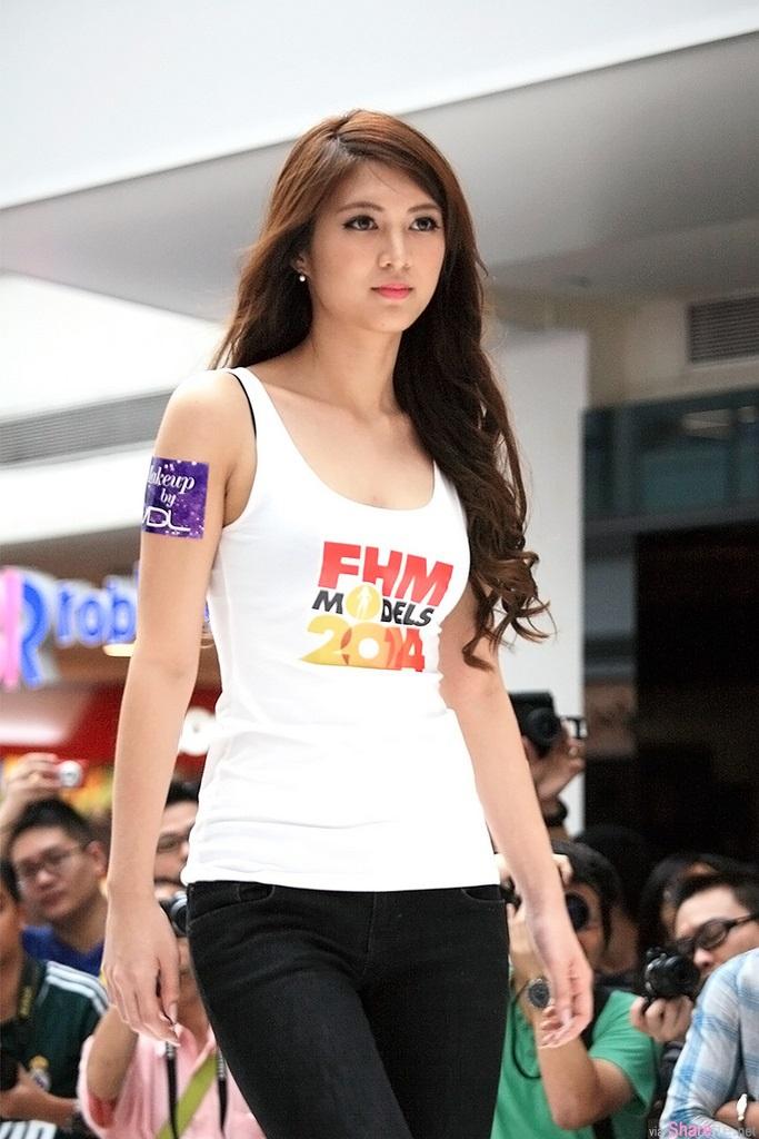 新加坡模特正妹 Priscilia Wong 美腿翘臀 网友:有点像钟嘉欣