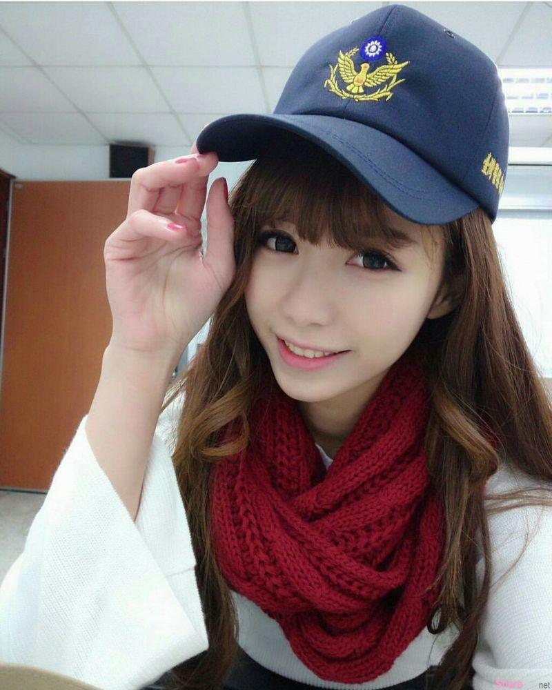 未来的警察  网友:说要当空姐我还比较相信阿