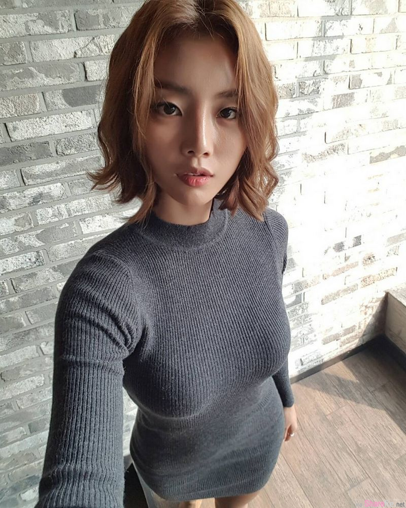 韩国运动系正妹 身材与肤色练到刚刚好