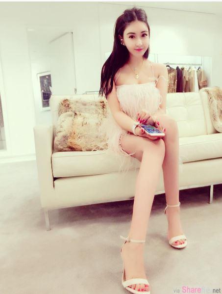 爱炫胸的白富美icecreambaby