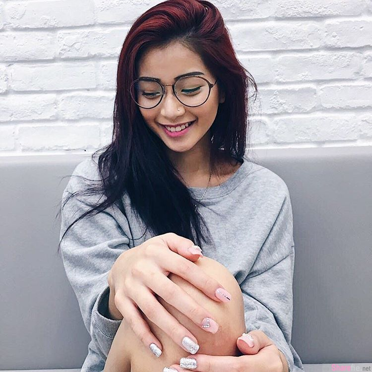 新加坡正妹 JOANNA LYDIA Koh 迷人笑容,内衣写真让人喷鼻血