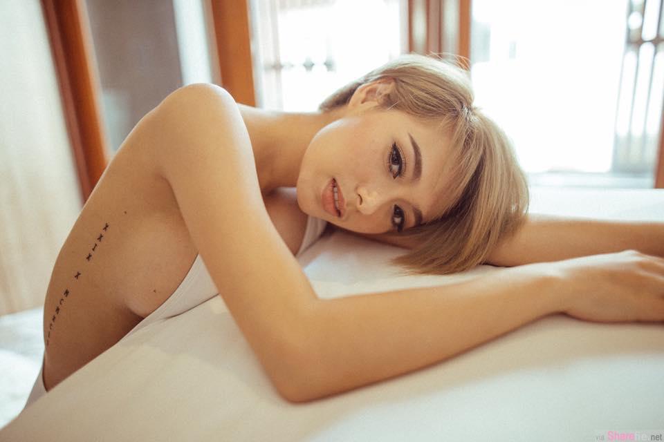 泰英混血正妹 金色短髮超亮眼 最吸睛还是那性感的侧乳