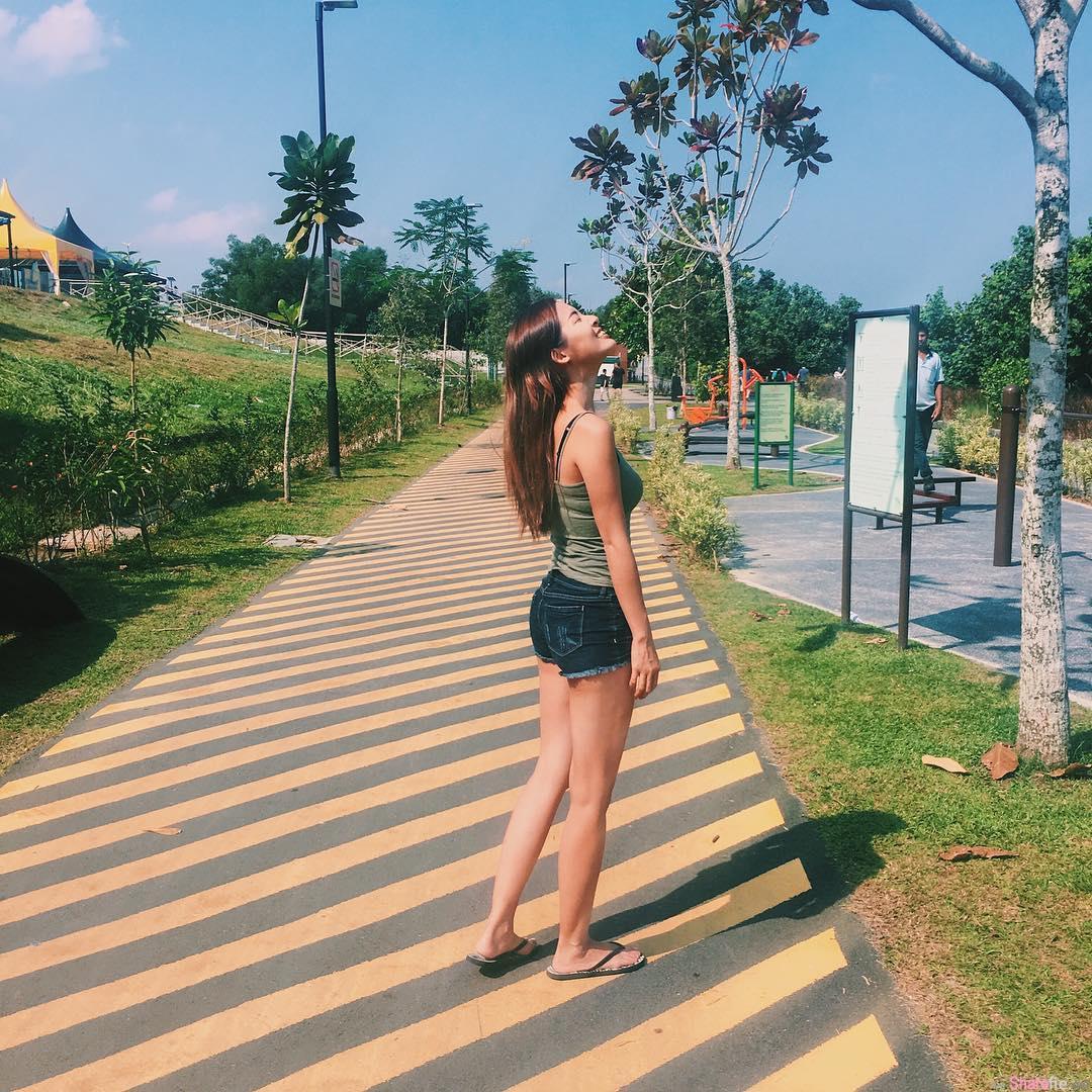 新加坡博客正妹Elaine Jasmine 火辣翘臀让线条更添完美
