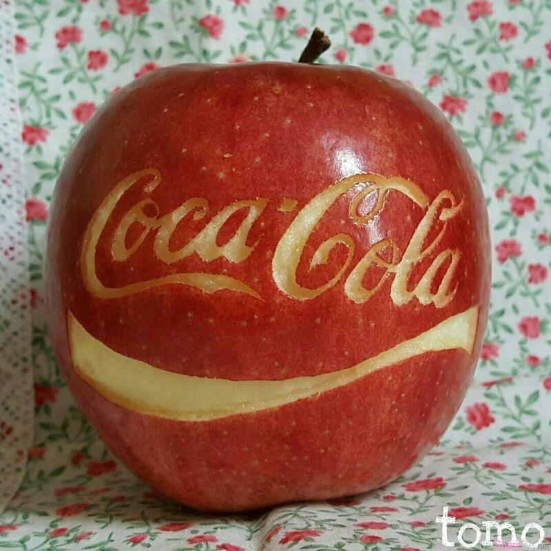 神人用苹果雕刻 各种人物,卡通,logo 刀工之细腻让人惊嘆